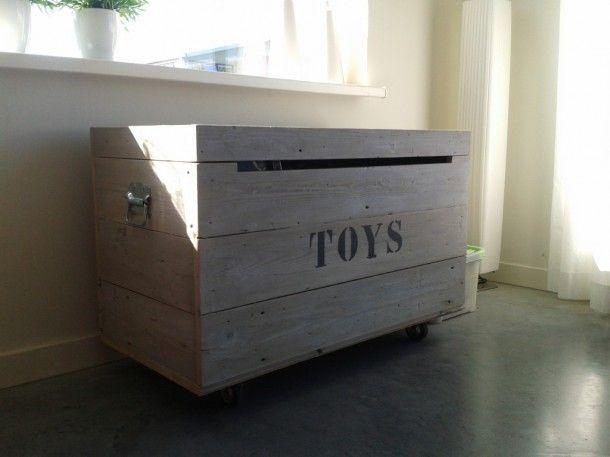 Interieurideeën   mooie speelgoed kist Door misskokkie