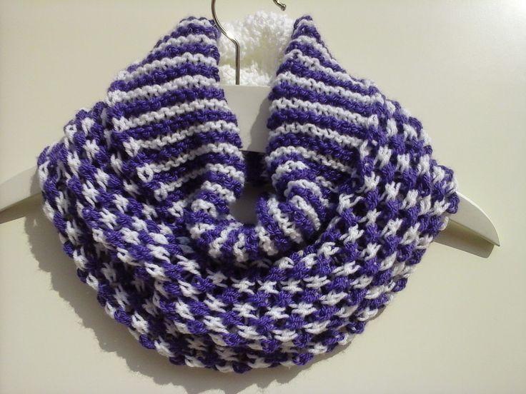 Colocar 60 pontos com um fio na agulha para tricot nº 8 e tricotar 70 cm das carreiras abaixo: 1ª carreira: 20 tr, 1m , * 1 l...