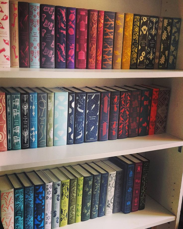It's beautiful!!! Penguin cloth bound books.<<<<*cries because it's so beautiful*