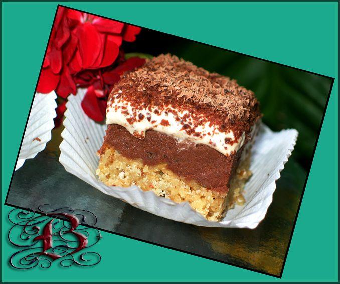 Ореxово-кофейные пирожные с трюфельной начинкой
