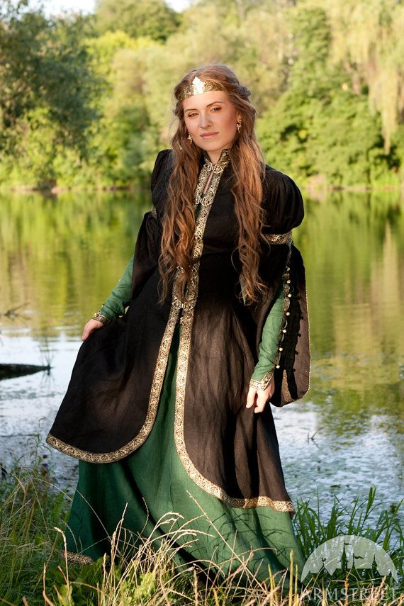 """Средневековый Ренессанс Фэнтези Шинель """"Лесная принцесса"""";  висит рукав пальто;  эльфийский пальто"""