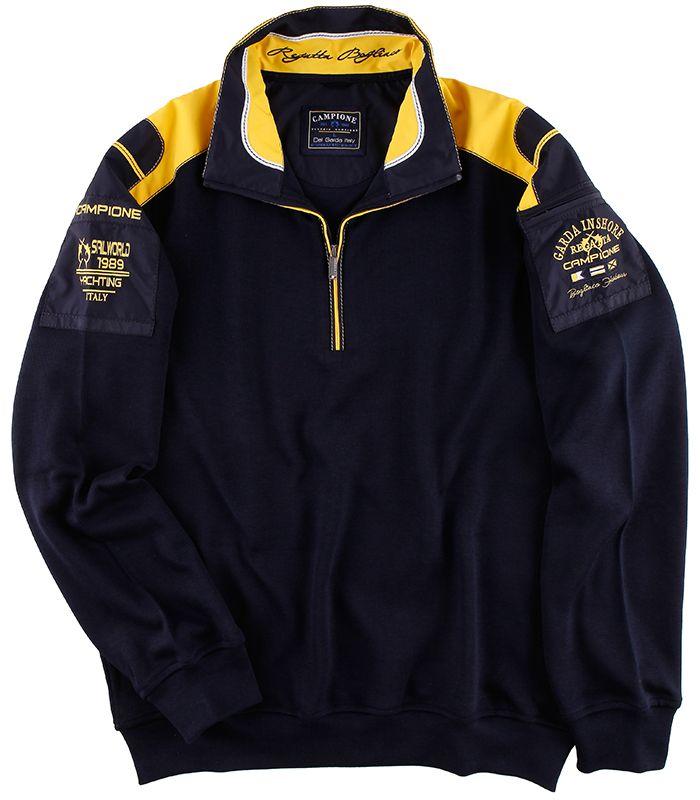 Sportives #Sweatshirt aus der #Mode von CLAUDIO #CAMPIONE. Das blaue Herrensweatshirt besticht mit dem modischen Schulterbesatz, welches gekonnt in dem Kragen fortgeführt wird und mit maritimen Schriftzügen abgestimmt ist.