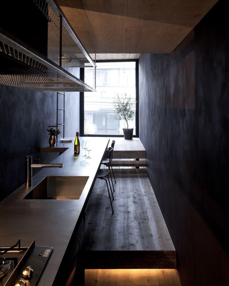 1.8 M Width House / YUUA architects
