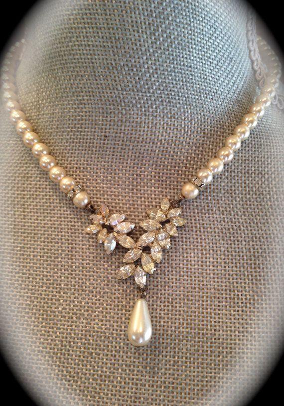 Beautiful vintage pearl and rhinestone by JNPVintageJewelry