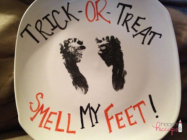 $1 DIY Halloween Plate, LOL... I love it so cute! This would be a cute idea for your baby's little feet on a plate with all his/her birth stats... doesn't have to be a Halloween thing... would love this, but, I have NO babies or grandbabies for now....