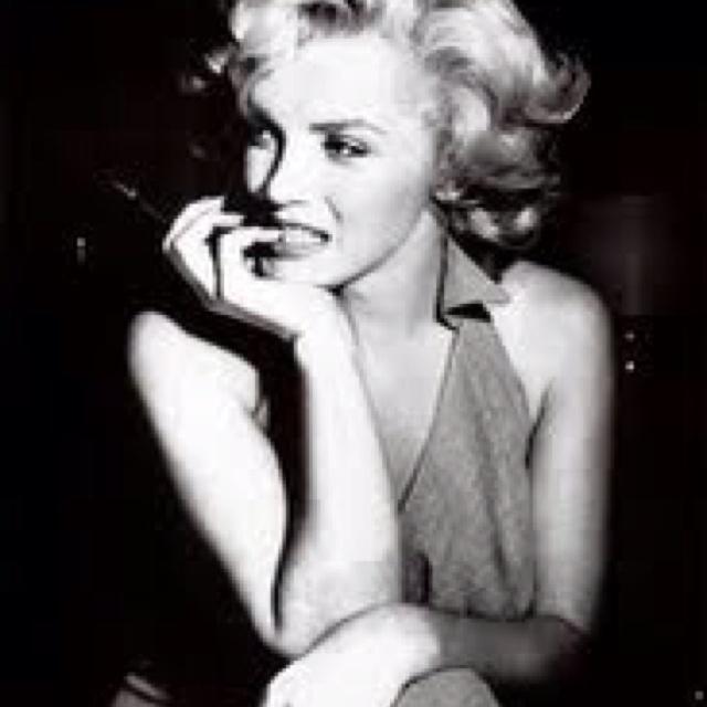 Marilyn :): Marilyn Monroe, Marilyn Pictures, Beautiful Icons, Fav Marilyn, Photo, Idol 3, Glamorous Things