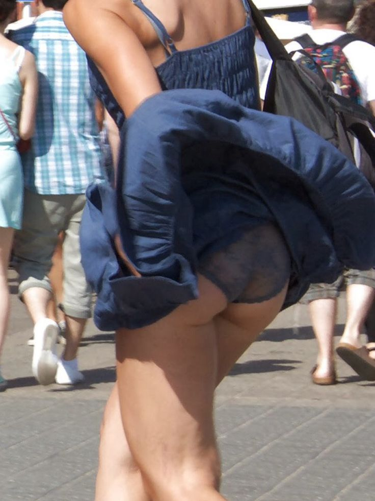 Upskirt by wind pics