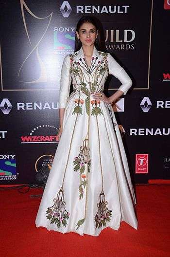 Aditi Rao Hydari Looked Gorgeous in White Voluminous Floral Print Gown