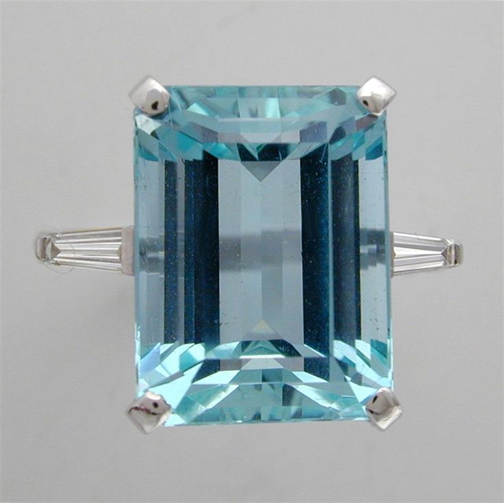 Antique Aquamarine Rings for Sale | AN EMERALD-CUT AQUAMARINE RING - Bentley & Skinner