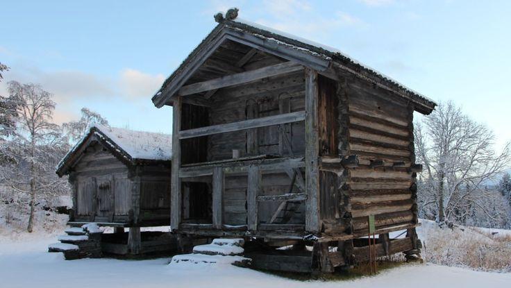 Tømmeret i Stålekleivloftet, eller Vindlausloftet som det også kalles, er fra vinteren 1167. Sagnet sier at det opprinnelig ble brukt til å oppbevare lintøyet til Åse Stålekleiv, en rik dronning som bodde i bygda.