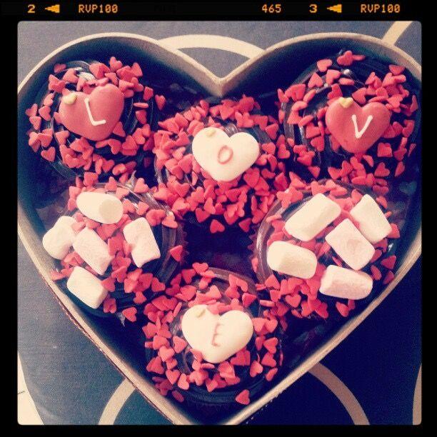 Valentine's Day cupcakes - LOVE & marshmallows