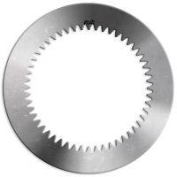 Além da fabricação do disco de aço, a Alto Torque disponibiliza produtos como o disco de fricção e freio, câmera de ar para produto pneumático, diversidade de tamanhos em rolamentos, retentores, bobina elétrica, molas, anéis Oring e Quadring.