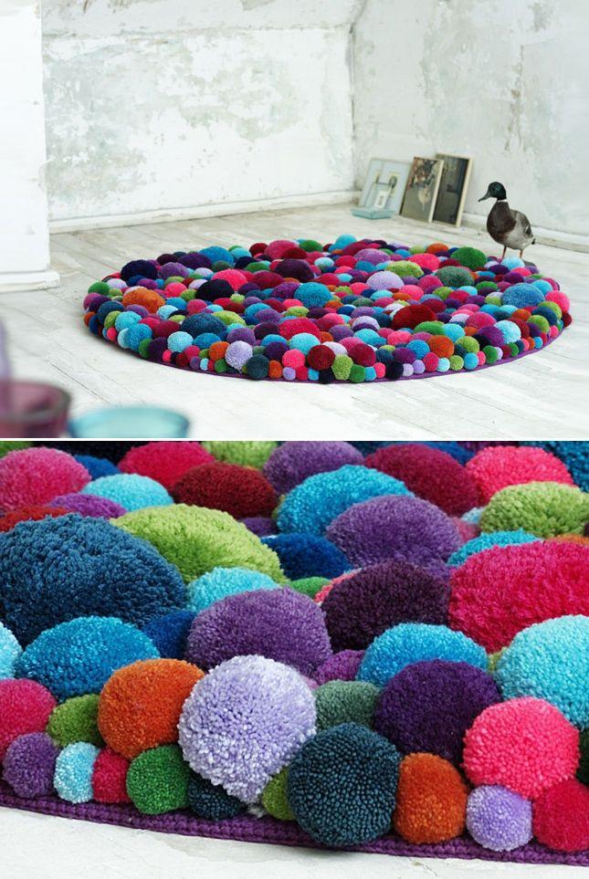 Pom Pom Carpet... Looks so cozy!! | techlovedesign.com