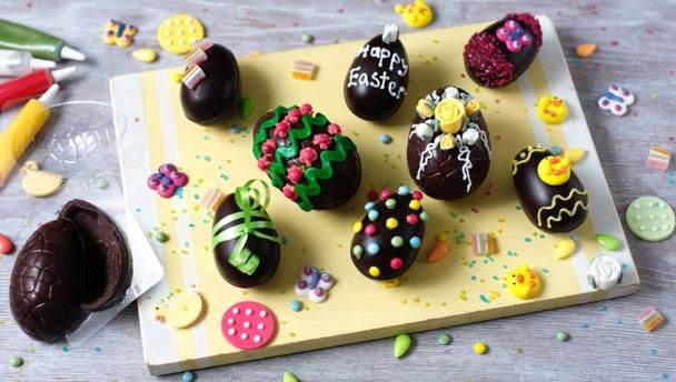 how to make an easter egg cake without a mould
