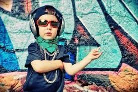 Resultado de imagen para grafitis de niños con gafas