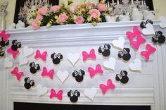 Minnie inspired paper garland, banner decorations birthday clubhouse, pink black white Minnie head bow heart garland, Minnie bowtique