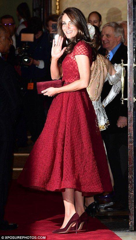 Kate âgée de 35 ans participe au renouveau de West End du succès de Broadway au Théâtre R