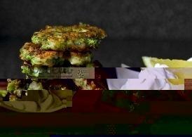 Оладьи из брокколи с пармезаном