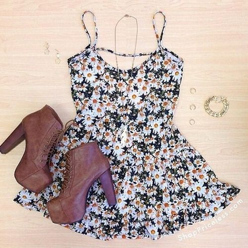 Daily New Fashion : Gorgeous Sunflower Print Dress
