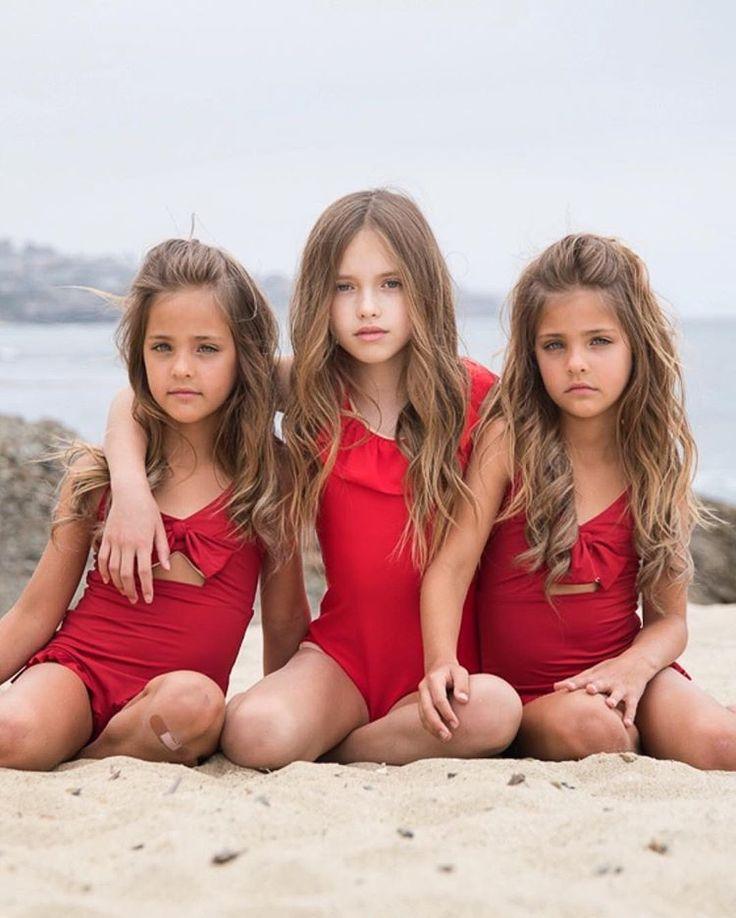 young-nude-twin-girls-lesbians-suckin-pussy