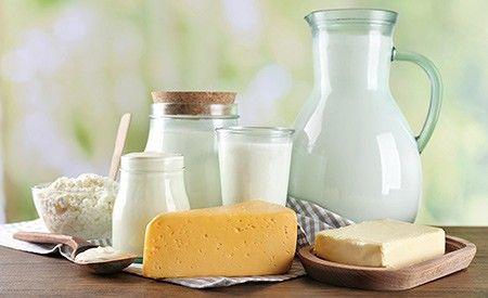 Milchfreie Butter:  Milchfreie Butter  Butter aus weissem Mandelmus ist ein köstlicher Brotaufstrich. Zutaten:      3 EL weisses Mandelmus     1 TL Zitronensaft oder Bio-Apfelessig     1 Prise Kristallsalz  Alles bis zur butterartigen Konsistenz verrühren.