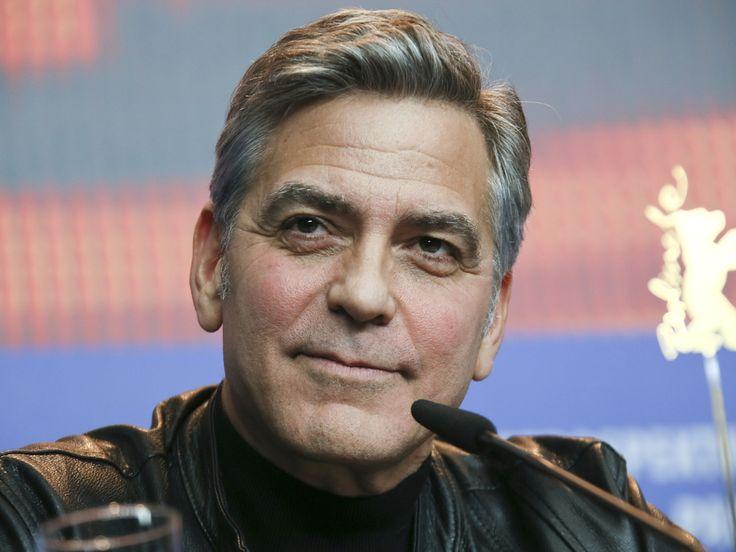 """George Clooney nimmt US-Präsident Donald Trump ins Gebet – das darf wörtlich verstanden werden. Ein ungewöhnlicher, aber cleverer Schachzug des Stars. Dass sich Hollywood-Star George Clooney (56, """"Money Monster"""") spätestens seit der Beziehung mit seiner Amal (39) vermehrt um..."""