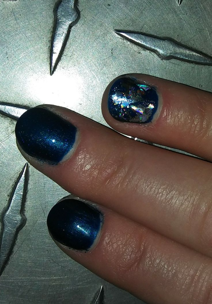 #CND #Shellac #Toes #PeacockPlume #HolographicFoil #sugarnspiceservicessalon #CustomNailArt #FallFabulos #Nails