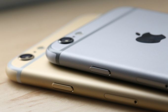 1/5/15: Tomorrow #Apple set to start selling #iPhone 6 & 6 Plus without SIMs, completely unlocked in the U.S.