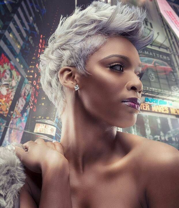 You are a fan of the last hair trends? We show you today 10 great short hairstyles that are totally in fashion right now. With one of these Kurzhaarschnit …