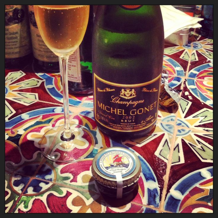 Dinner highlight: trying the Michel Gonet Blanc de Blancs Champagne that David Rosengarten's importing along with his specially-picked caviar.