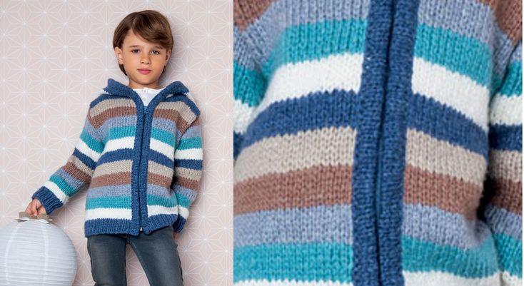 Trop cool la veste à capuche en rayures géantes. A tricoter en jersey dans de belles couleurs, elle est fermée devant par un zip.  Tailles : a) 4 ans; b) 6 ans; c) 8 ans; d)10 ans; e) 12-14 ans. ...