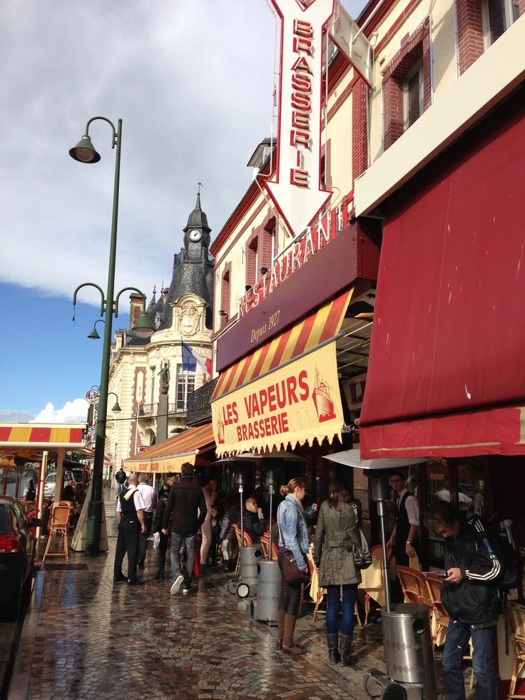 Trouville . Normandie . Les Vapeurs, best plateau de fruits de mer
