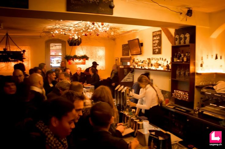 Die Bildergalerie mit den besten Partyfotos zum Event Zürich Pub Crawl, 08.12.2016, Paradeplatz Zürich findest du auf usgang.ch @ http://zuerich.usgang.ch/picture.php/thumbnails?n=708980&p=5084604