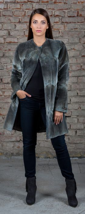 SC lightweith fur coat in moder style made of sheared muskrat fur.