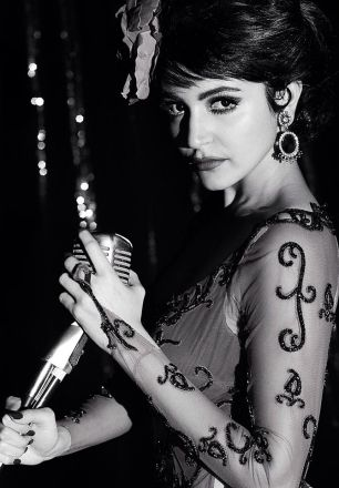 First look of Anushka Sharma as Rosie in Bombay Velvet #movie