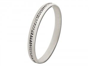 Here you can see the beautiful bangle precious that can be engraved on the inside. If you want to purchase this precious and beauitful gift for some one that you loved visit We Get Personal UK. #personalisedbracelet #bracelet #engravedbracelet Source: http://www.wegetpersonal.co.uk/bangle-precious.html