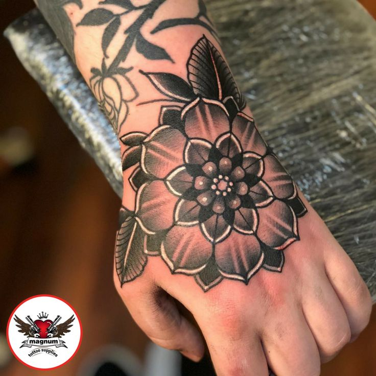 Geoflower piece done using #magnumtattoosupplies from Niall Shannon!