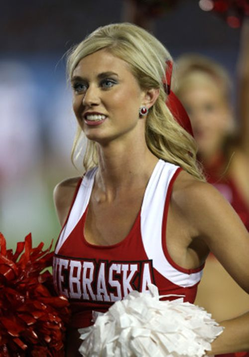 hot college cheerleader