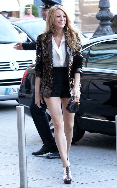 Love the shorts and blazer