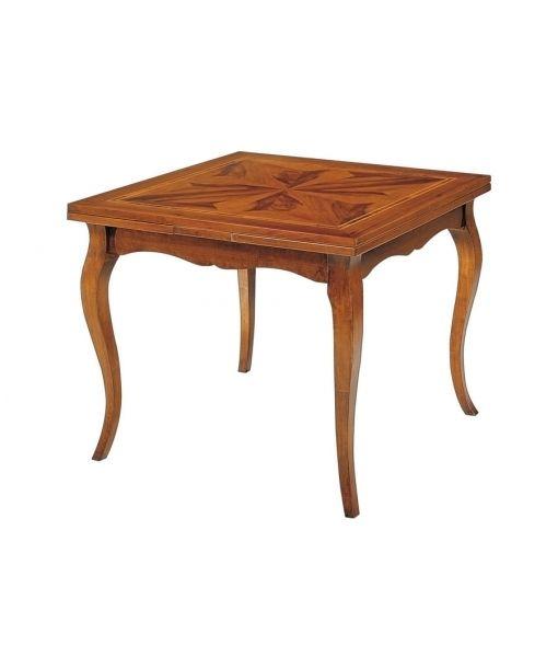 Tavolo in stile quadrato. Il lato del piano misura 100 cm ed è caratterizzato da un intarsio a spicchi dove la decisa venatura del legno di noce crea effetti estetici di gran classe.FA-337-A