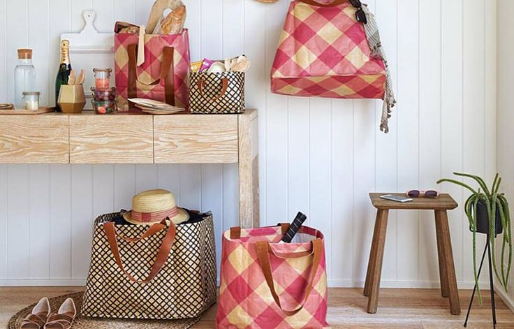Kollab - graphic lunch and carry bags for design loving parents who love to picnic #Bag, #Kollab, #LunchBoxes, #Outdoor