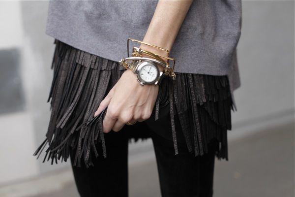 Fringe leather skirt via lexpress.fr