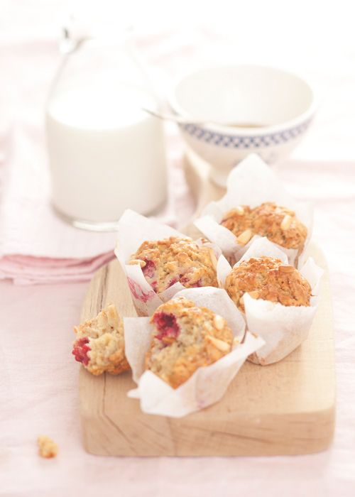 Il Cavoletto di Bruxelles | Raspberry and pinenut muffins | http://www.cavolettodibruxelles.it/