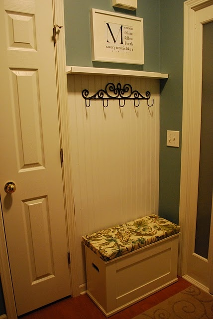 Tiny mudroom perfect by garage door love the little bench for Mud room addition ideas