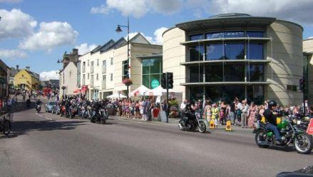 These are exciting and changing times for Calne. - Calne Our Place These are exciting and changing times for Calne. The town is growing faster (in percentage terms) than anywhere else in Wiltshire with the population expected to rise by almost 50% between 2006 and 2026.