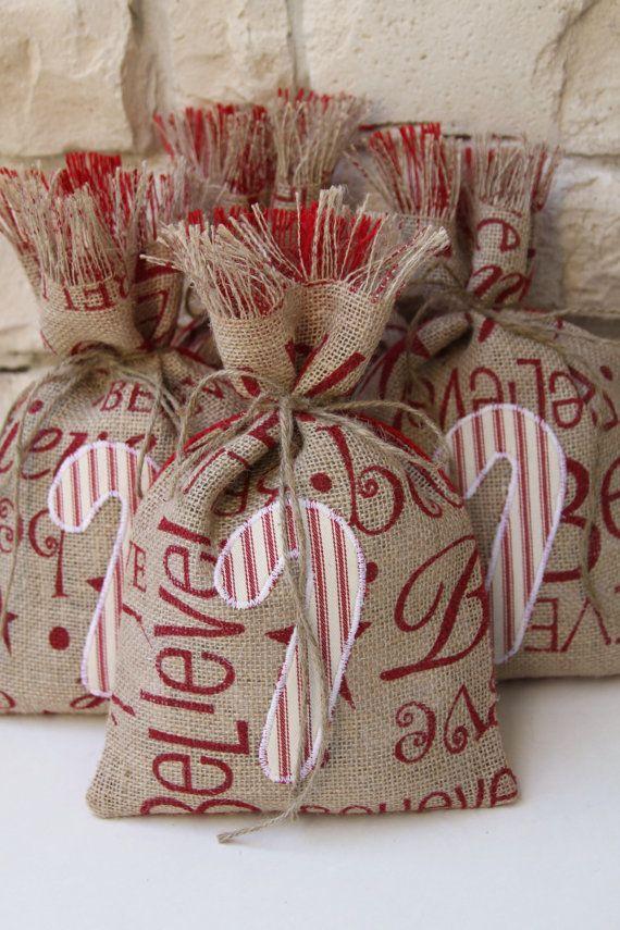 Bolsas de arpillera regalo bastón de caramelo por FourRDesigns