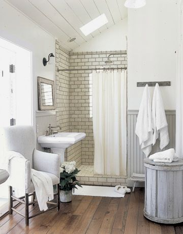 Vintage chic: inspirasjon----subway tile in the shower <3
