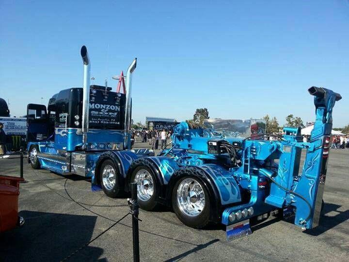 Sweet lookin' tow rig