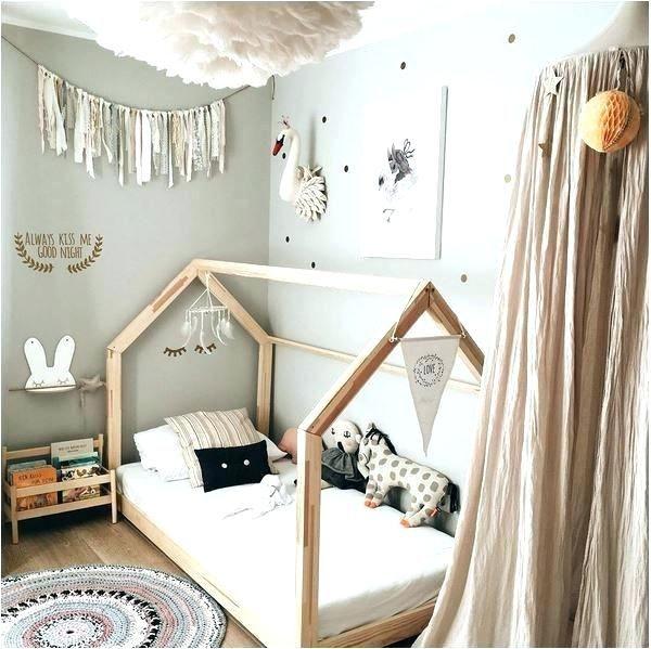Toddler Bed For Small Spaces Canopy Toddler Bed For Small Apartment Spalnya Dlya Devochki Komnaty Dlya Malenkih Devochek Oformlenie Detskih Komnat