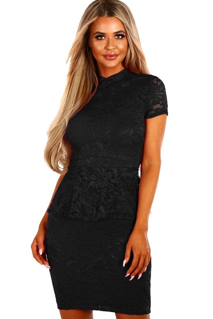 Sukienka czarna koronkowa z baskinką mini maskująca brzuch